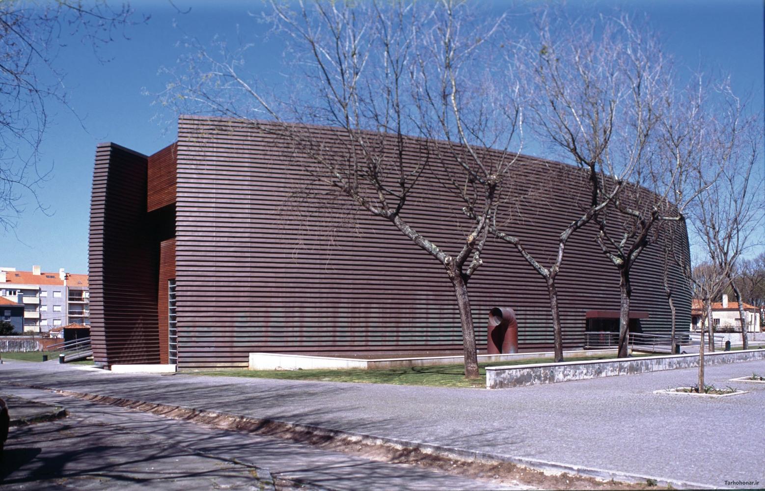 طراحی مرکز ارتباطات و رسانه